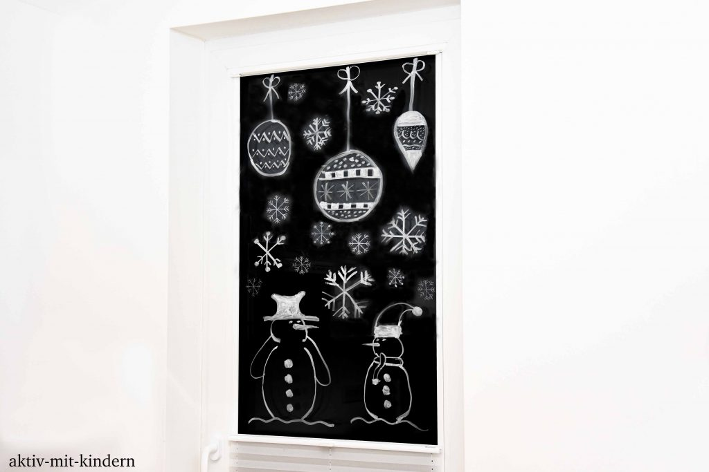fensterdeko f r weihnachten mit kreidemarker aktiv mit kindern. Black Bedroom Furniture Sets. Home Design Ideas